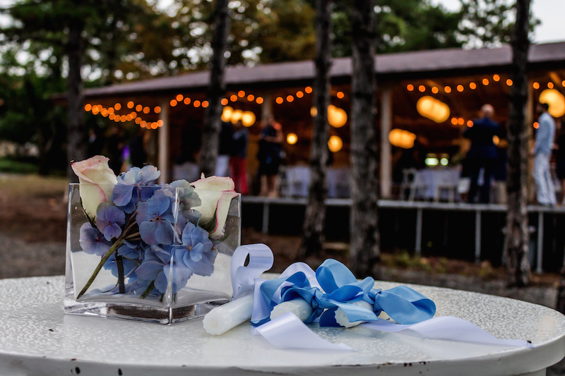 outdoor wedding lights and decor