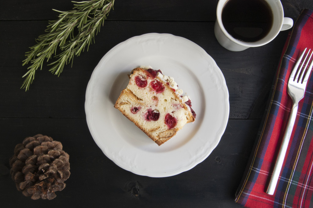 bp_holidaygift_cranberry-and-white-chocolate-poundcake_4