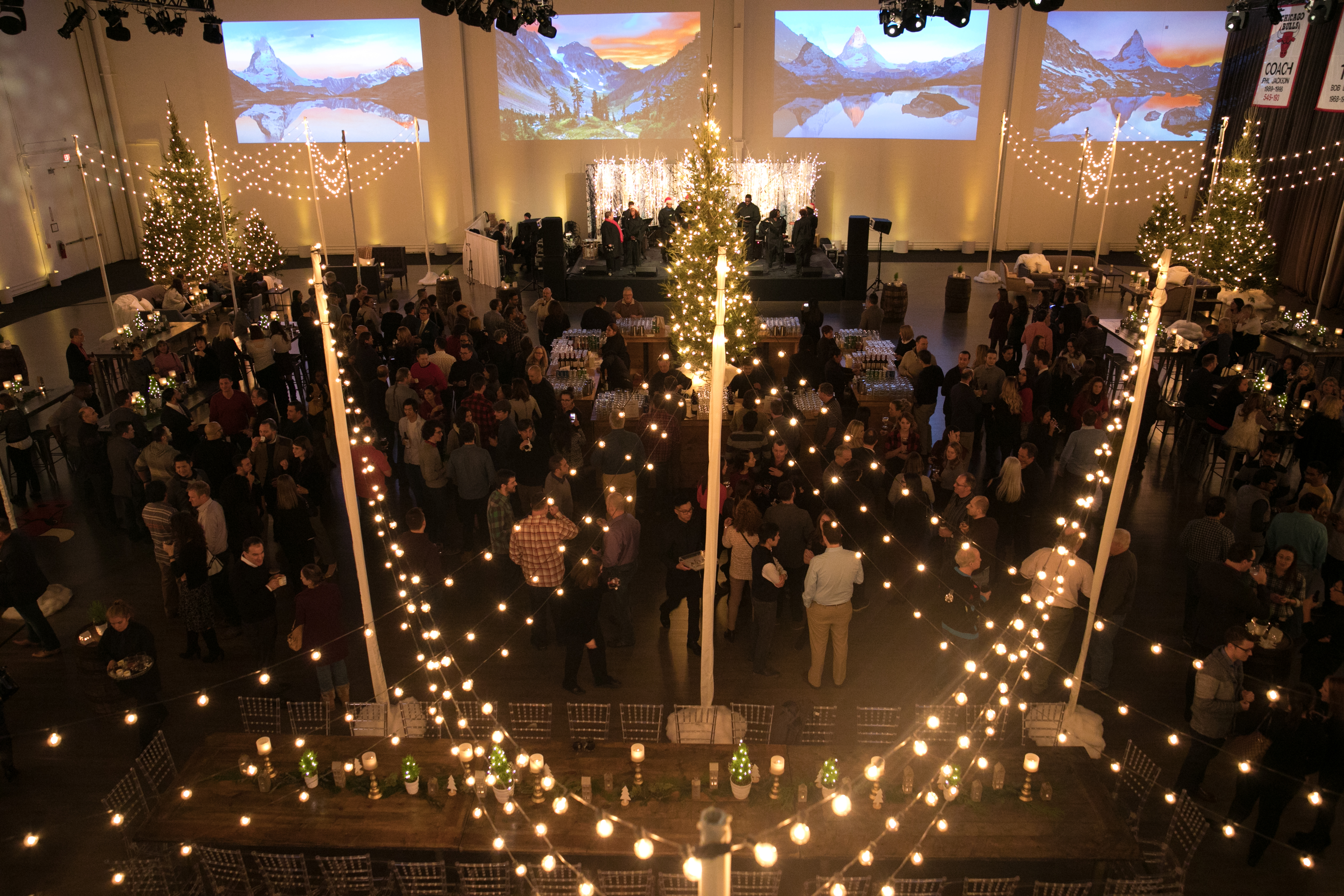 Tips for Planning a Holiday Party